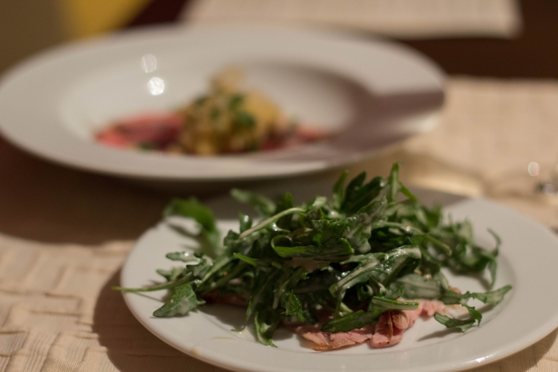 Vitello-tonnato-mit-Ruccola