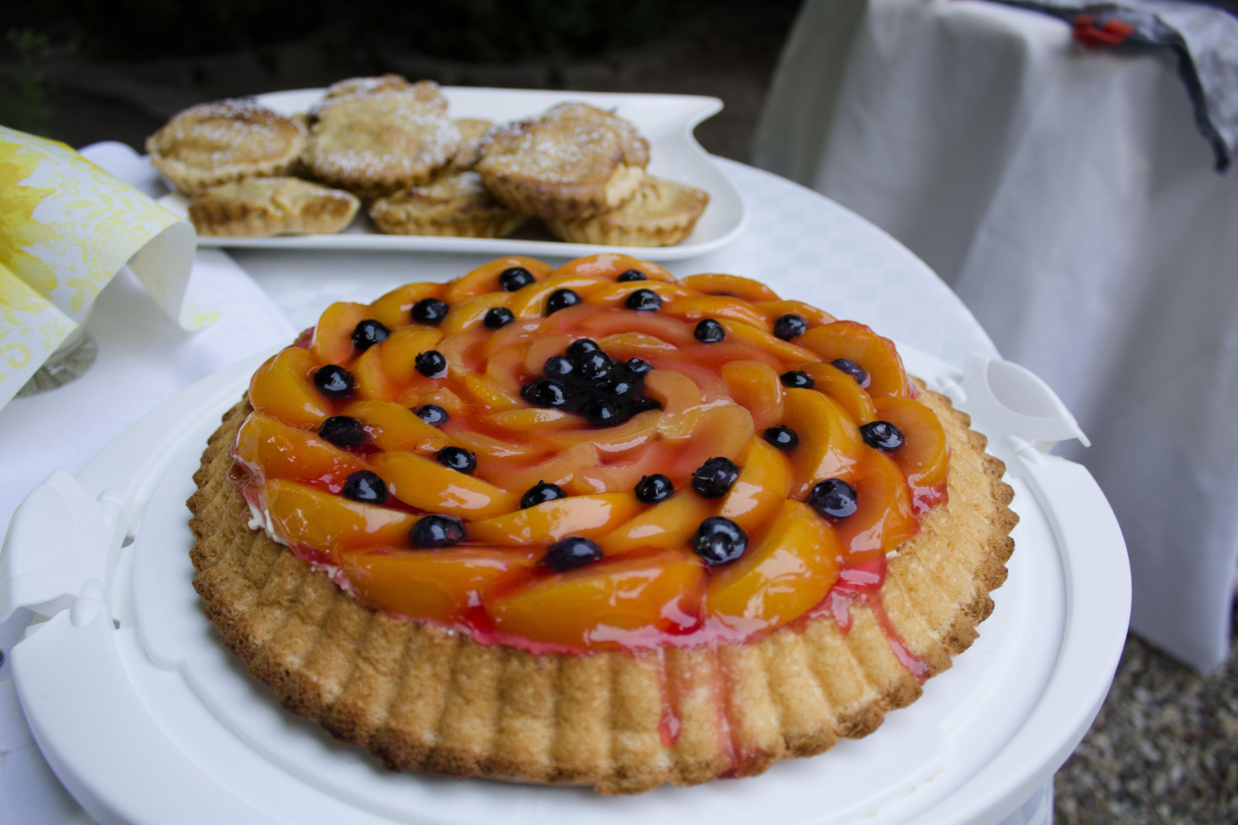 Obstkuchen mit glutenfreien Biskuitboden